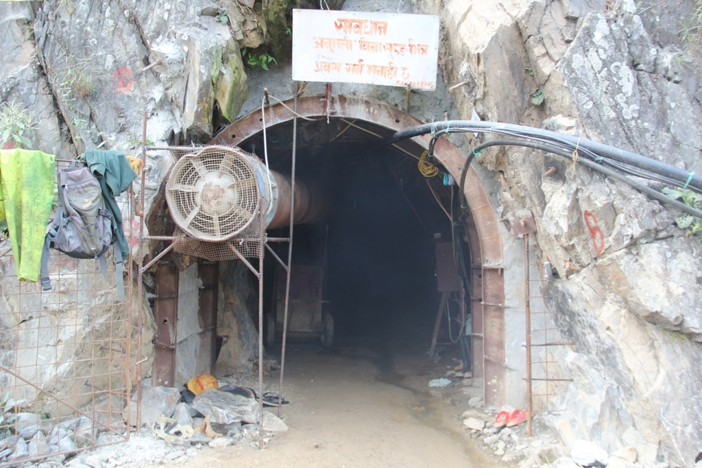 Budhigandaki Hidro power Tannel 18 (1)