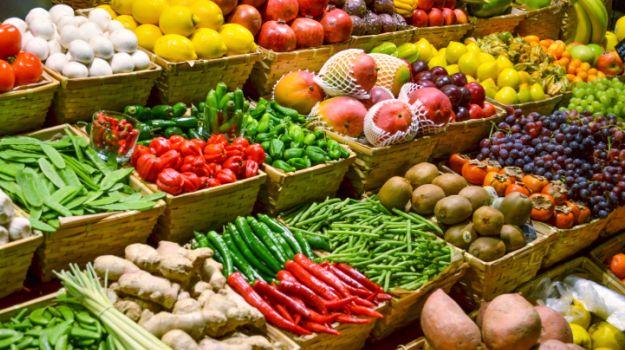vegetable-market_625x350_61433484797